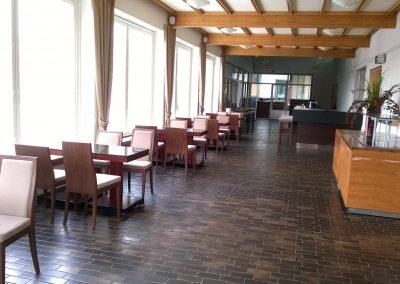 Hämeenkylän kartanon auditorion ja juhlasalin välinen lounge