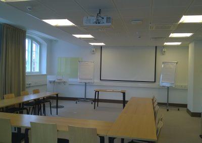 Yksi Hämeenkylän kartanon neuvotteluhuoneista